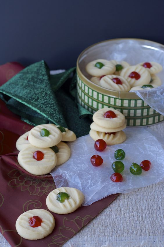 Whipped Shortbread - Easy to make, light and sweet whipped shortbread cookies - perfect for Christmas and fun to make with the kids!