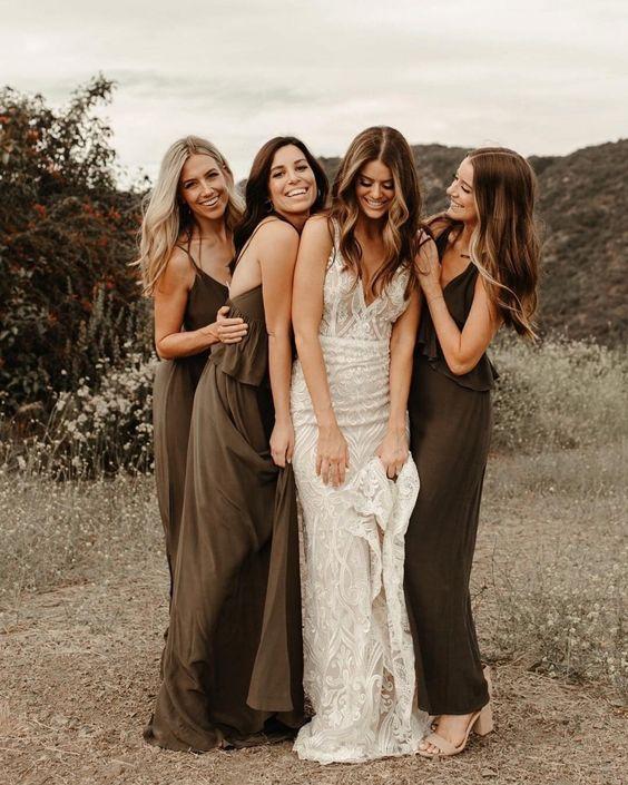 Eure Mädels – was gibt es schöneres, als all eure Freude dieses Tages mit ihnen in vollen Zügen zu genießen und die genialsten Fotos als Erinnerung zu teilen. Credits Instagram Post: @weddingstyle Repost of the wonderful Bride: @lauren_rote