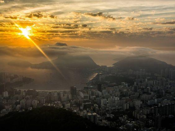 Nevoeiro no Rio causa transtornos no Aeroporto Santos Dumont (Foto: Diogo Bessa/ Centro de Operações Rio)