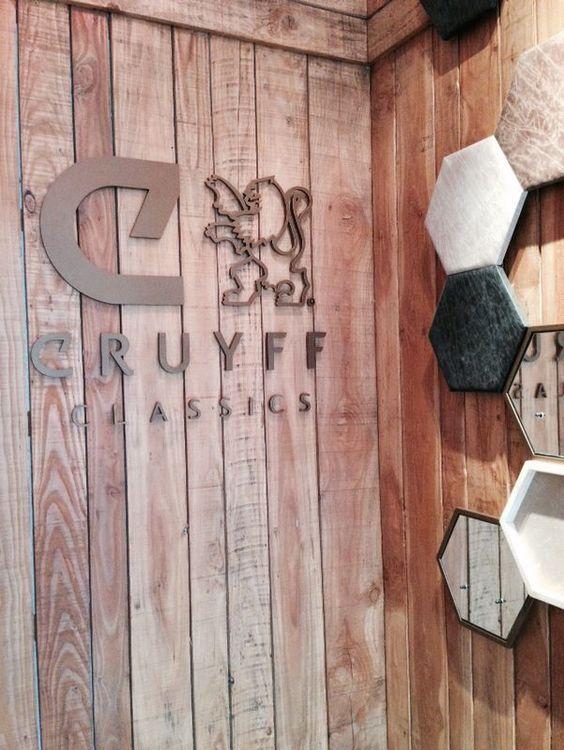 letras sueltas en el interior de la tienda
