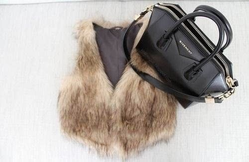 How to Chic: FUR VEST