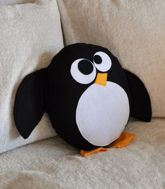 Penguin pillow.  Looks easy to make: Plush, Kids Ideas, Sewing Ideas, Penguins, Pillows