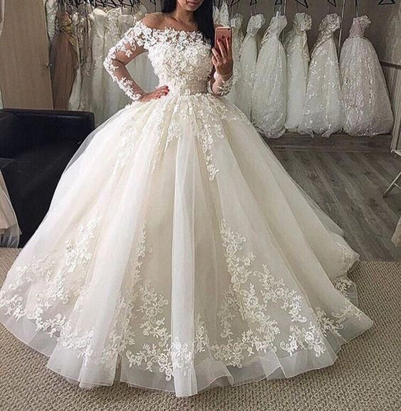 Long Sleeve Ball Gown Wedding Dresses New Floor Length Lace Applique Ruffle Pleats Bridal Dress Wedding Gowns Long Sleeve Ball Gown Wedding Dress Elegant Long Sleeve Wedding Dresses Bridal Dresses Lace