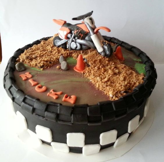 Motorcross ktm cake birthday board pinterest cakes for Decoration ktm