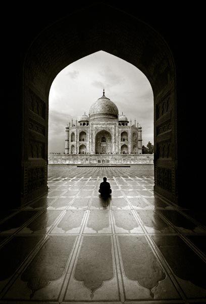 Taj Mahal, Agra, India - photo by Thamer Al-Tassan via smithsonianmag   #Taj_Mahal #Architecture #Photography #India #smithsonianmag