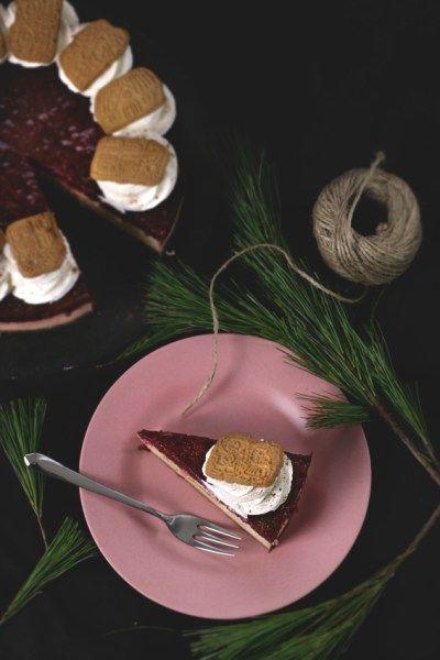 Spekulatius-Cheesecake mit Sauerkirschen/speculoos cheesecake with sour cherries