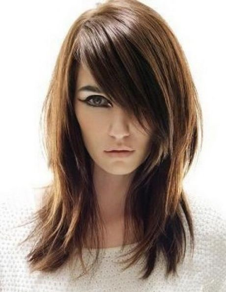 18+ Edgy haircuts with bangs trends