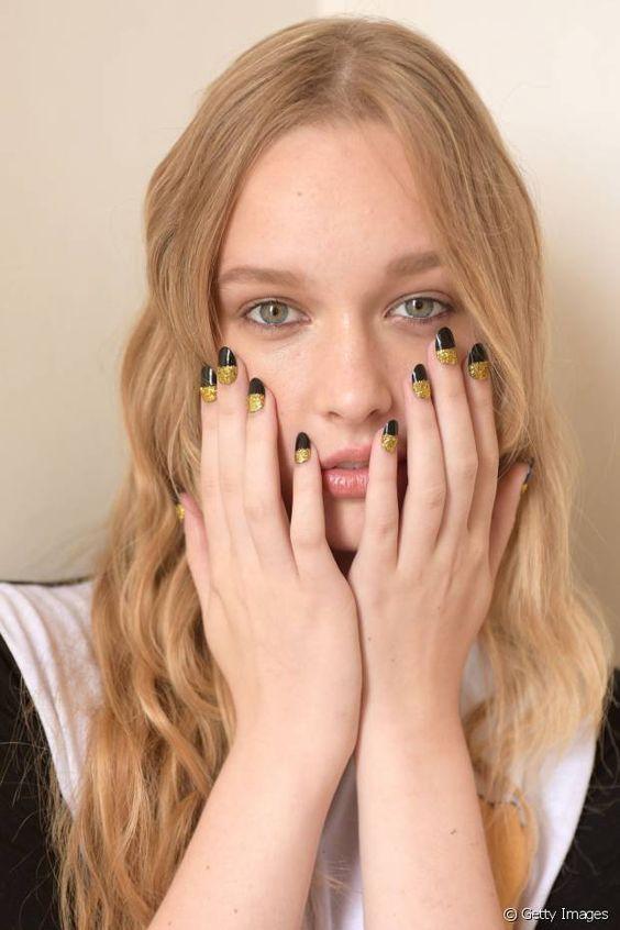 Copiez ce  nail art  deux tons divinement glamour!