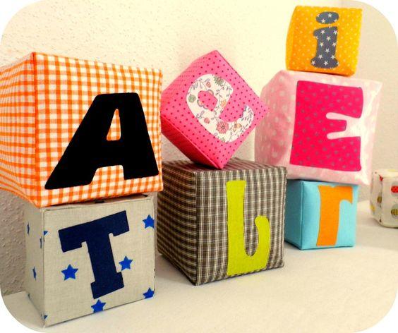 cubes en tissu le tuto en direct du blog pinterest couture enfant coudre et jeux enfants. Black Bedroom Furniture Sets. Home Design Ideas
