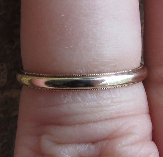 Vintage 2mm Beaded Edge 14k Yellow Gold Wedding Band Ring! Size 5 US by Ringtique on Etsy