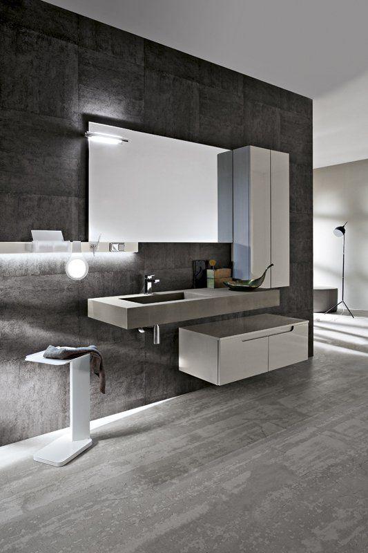 Bagno Ryo con finitura colore grigio chiaro lucido http://www.cerasa.it/it_IT/bagni/design/ryo/Cerasa_bagno_Ryo_40_41
