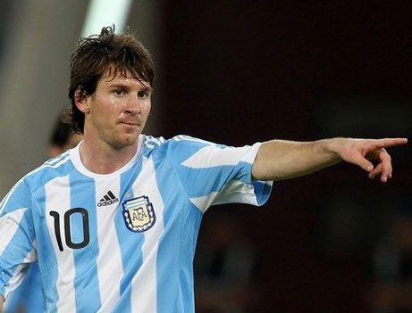 Resultados en Conmebol: Argentina vs Uruguay,doblete de Messi
