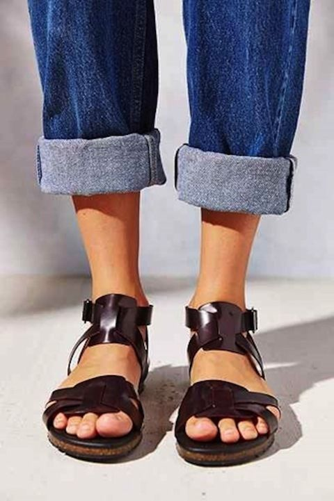 NWT Urban Outfitters Silence + Noise Hayden Flat Sandals Size 8 Maroon #SilenceNoise #Gladiator