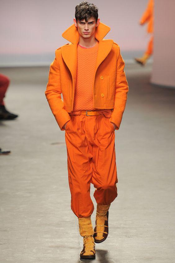"""Topman: blanco hueso, oro, energía naranja, granate y mucho """"army"""" para el hombre del invierno 2013."""