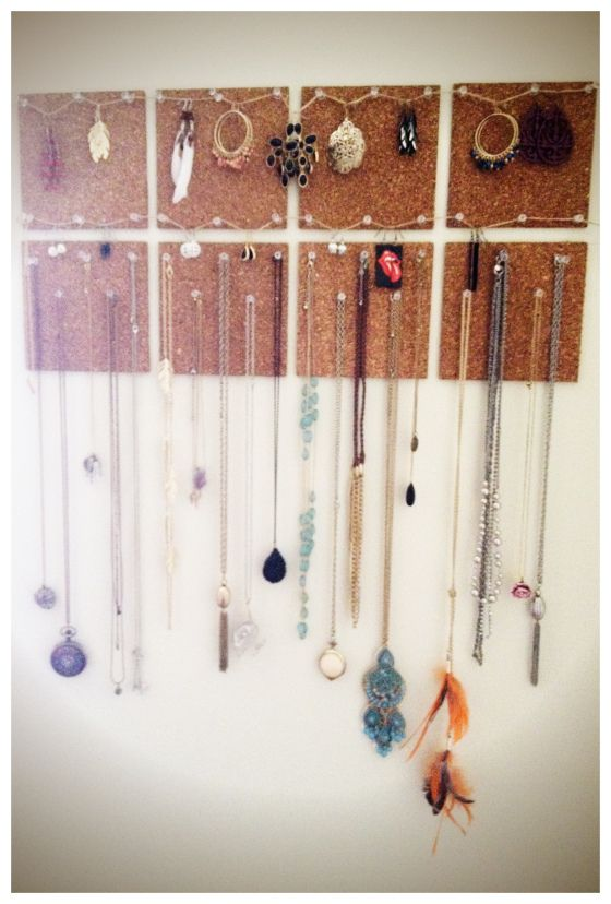 Circles cork board jewelry and corks on pinterest for How to make a bulletin board without cork