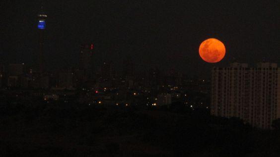 Moon rising over Johannesburg last night #home #moonrising #magical