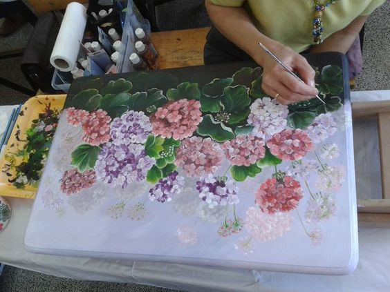 hand painting table