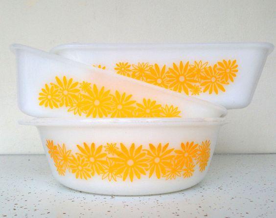 Glasbake Yellow Daisy Bowl Loaf Pans #Glasbake #Vintage #Pyrex #Daisy #Midcentury #Ovenware #Thrifttrendzbyjuls