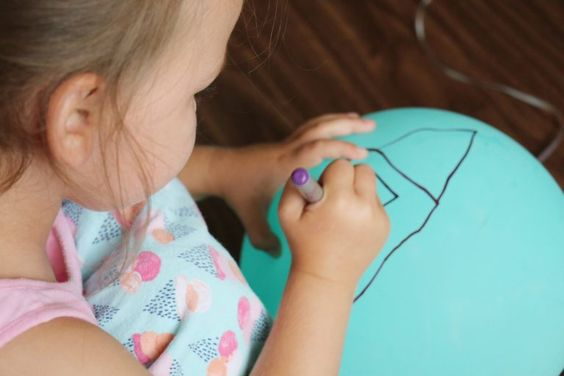 drawing on balloons