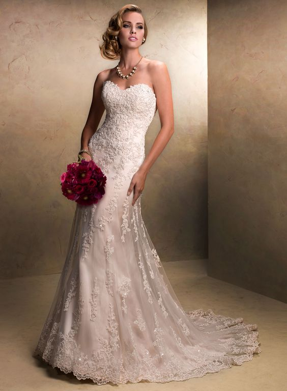 Enticing Trumpet/ Mermaid Sweetheart Embroidery Lace Wedding Dress With The Detachable Straps - Dressybee.com