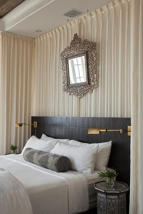 White And Black Moroccan Style Bedroom Features Walls