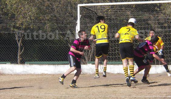 Toda la información, imágenes y estadísticas de la jornada disputada el Sábado 29.06 está en: http://futbolamateurssd.blogspot.com.ar