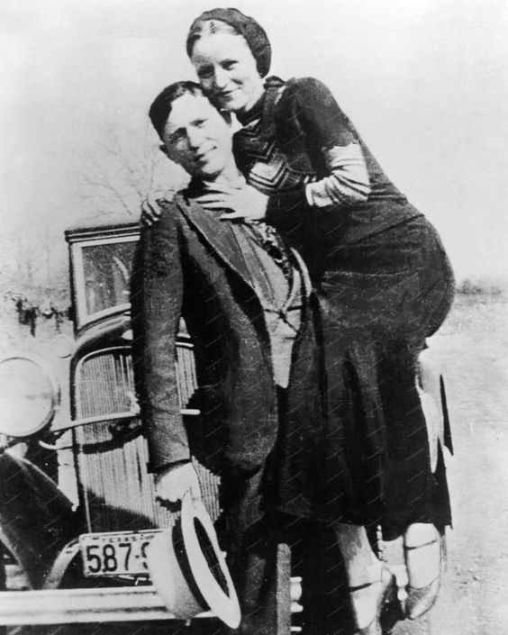 "bonnie and clyde outline paper In the movie, several filming techniques became exemplified for the success of its production this report seeks to give an analysis and a review of the film ""bonnie and clyde"" (1967) it will also give an insight of the filming techniques adopted in the movie review clyde barrow and bonnie parker's story inspired a debate."
