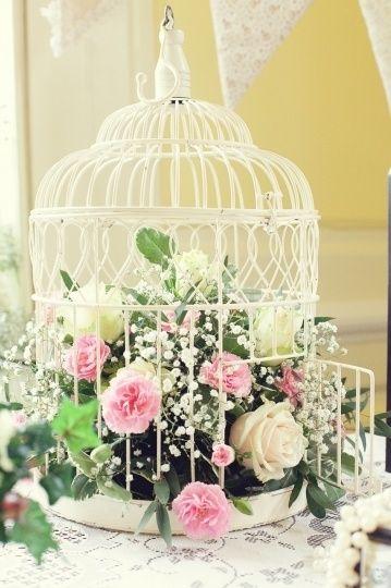 Cage à oiseau fleuri
