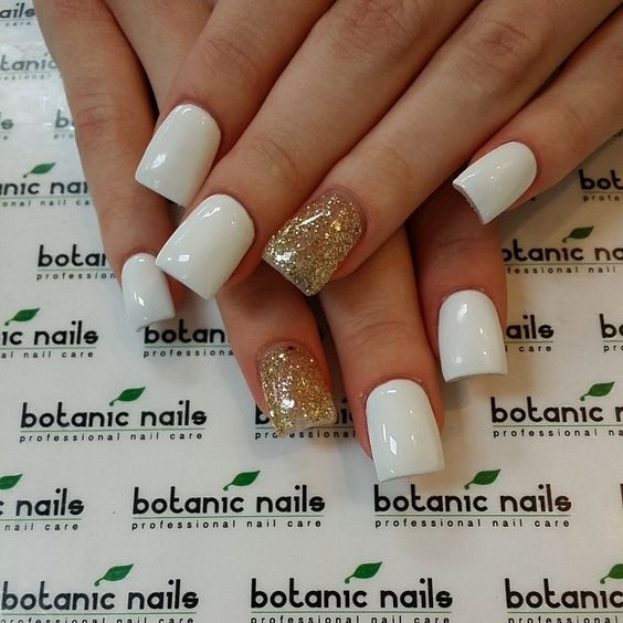 White nails with glitter accent nail | Nails | Pinterest | Manicuras ...