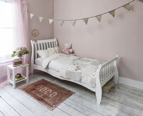 Daisy Sleigh White Single Bed Frame With Bibby Mattress