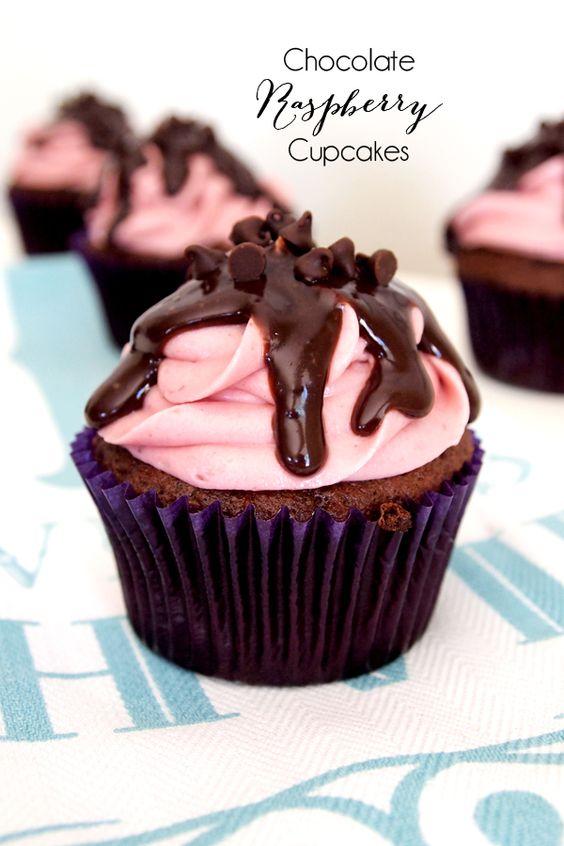 Post image for Cupcakes de chocolate de estafa frambuesa y crema de mantequilla de ganache de chocolate