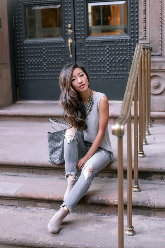 Gray on gray outfit // distressed ankle skinny jeans (comes in petite and tall lengths too!) + ankle boots for fall. all outfit details on the blog: