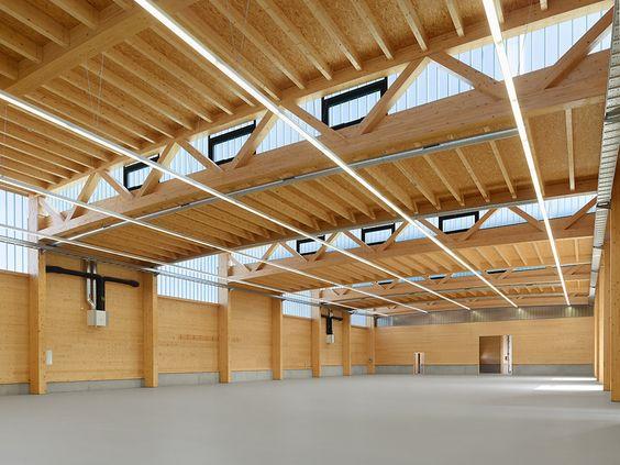 Lagern mit Licht: Firmengebäude in Steinenbronn-DETAIL.de
