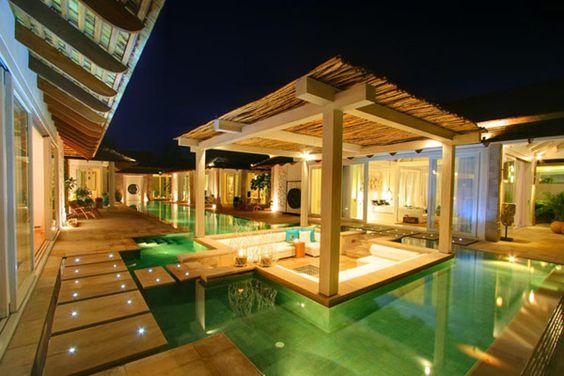Villa Built Around a Central Swimming Pool. love it!