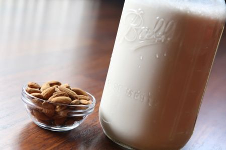 Make your own Homemade Almond Milk www.farmfoodieandfitness.com photo credit: www.being-vegan.net
