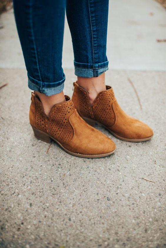 Fashionable Tan Shoes