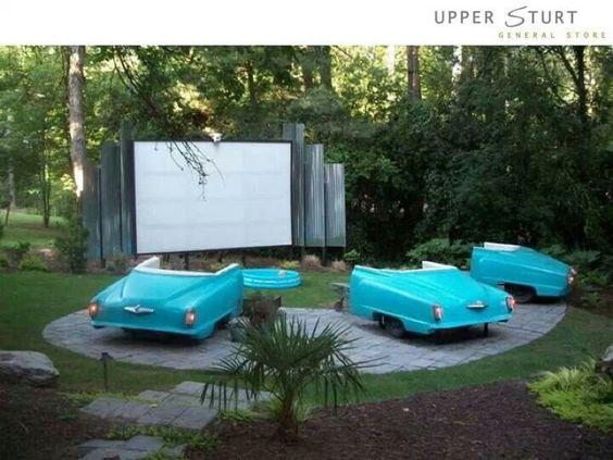 Cool backyard summer movie night idea