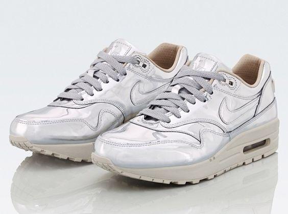Nike WMNS Air Max 1 SP Liquid Silver
