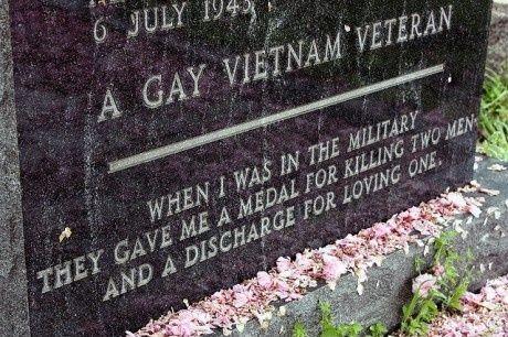 En homoseksuel dyrl�gen grav