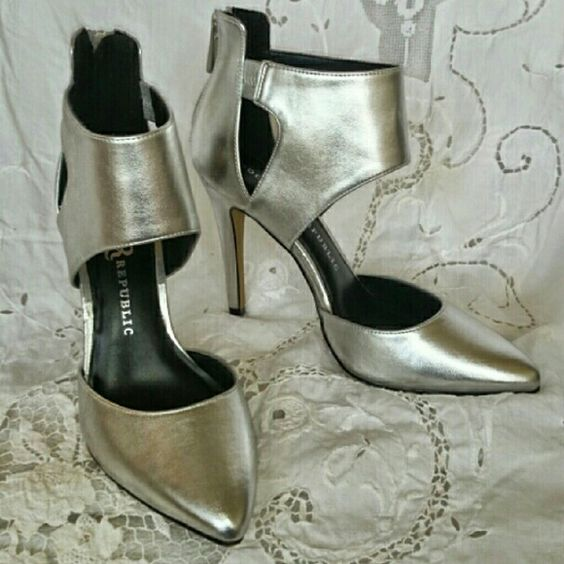 Rock & Republic Silver heels Sz 7 1/2 Stunning sky high silver pumps! Worn once but not perfect so they are a real bargain! Same style has been host pick! Perfect for prom! Rock & Republic Shoes Heels