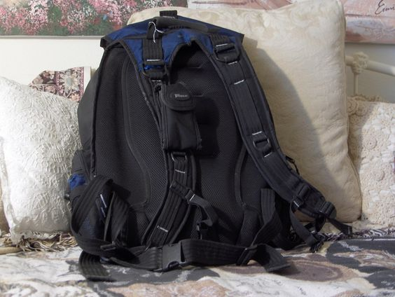 "TARGUS 16"" Sport Deluxe Laptop Backpack  #TSB312 Daypack Blue/Black Used   https://ajunkeeshoppe.blogspot.com/search/label/Office%20-%20Computer"