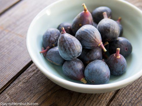 Fresh Figs in Cashew Cream with Toasted Coconut | Cashew Cream ...