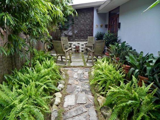 Fotos de patios peque os soleados y con una pergola - Ideas para jardines pequenos fotos ...