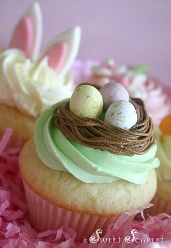 10 Adorable Easter Cupcake Ideas and Recipes... I love all of these!: