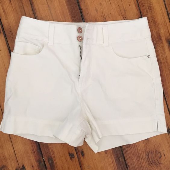 Brand new white shorts - Boston proper Brand new white shorts, perfect for the upcoming spring. The price tag is still attached. Boston Proper Shorts