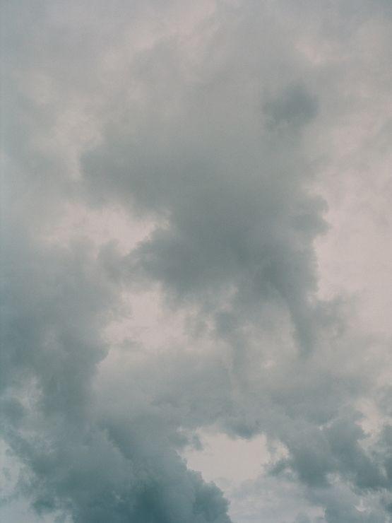 lovely sky...xoxo  www.kissthegroom.com