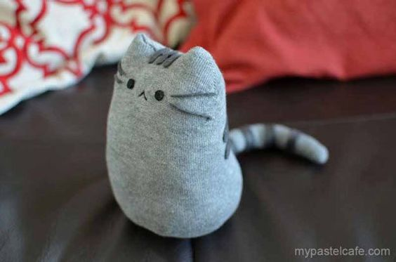 Cool Crafts for Teen Girls - Best DIY Projects for Teenage Girls - DIY Pusheen Sock Plush - http://diyprojectsforteens.com/cool-crafts-for-teen-girls/