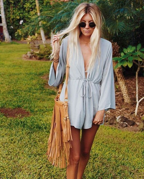 Super cute! Loose and flowy summer outfit