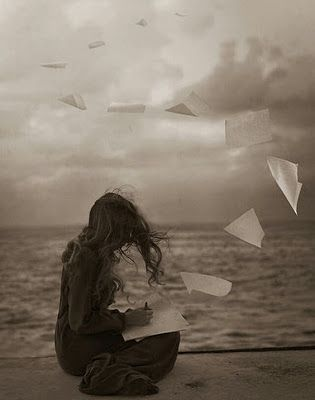 Prosa e Poesia Catia Garcia:  Se perde tempo demais idealizando alguémque jama...