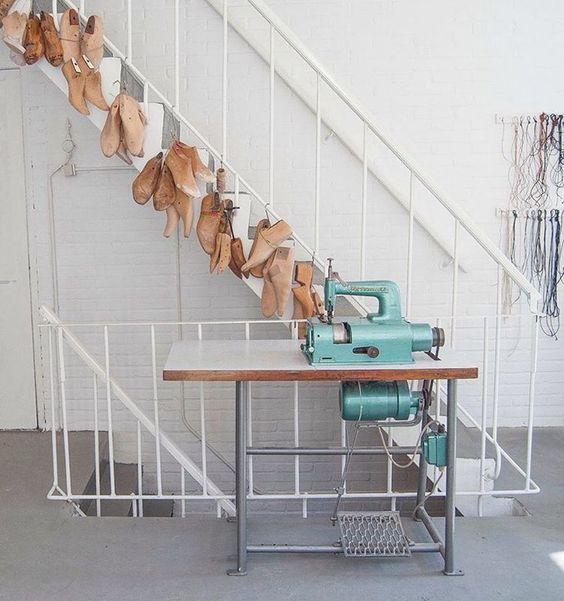 New atelier is life @lisebrunt @roderick.pieters #atelierlife #skim #lasts #instainterior #interiors #arnhem #footweardesign #shoedesign #picoftheday #interiordesign